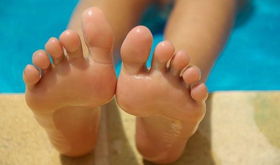 Zrogowaciała skóra stóp
