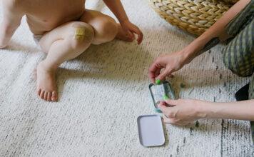 Jak zdjąć opatrunek przyklejony do rany